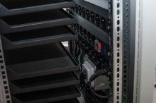 BSregál pro 10 tabletů, 10x230V, Wi-Fi, přídavná kolečka